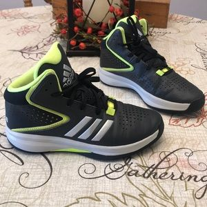 Adidas Basketball Shoes Youth Sz 4 Gray Yellow
